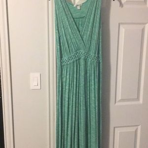 Dresses & Skirts - Green and white Maxi sundress purchased at Sams